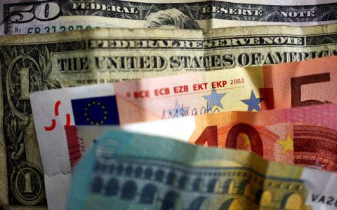 Dolar, yen didukung karena kehati-hatian berlaku pada sinyal perdagangan campuran