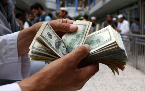 Dolar memegang kenaikan di tengah ketegangan baru AS-Cina