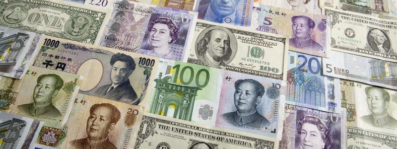 Dolar mendapat dukungan karena pembicaraan perdagangan tetap di jalurnya, kerugian perawat euro