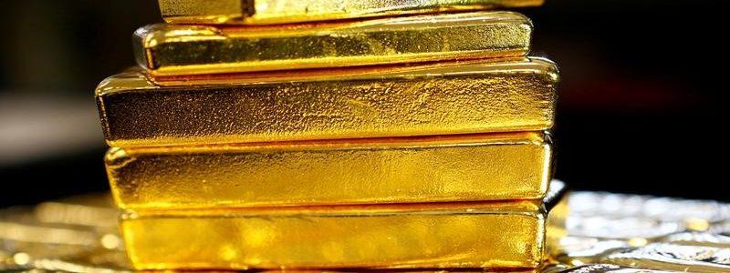 Harga Emas Lompat ke Rp925 Ribu Karena Khawatir Perang Dagang