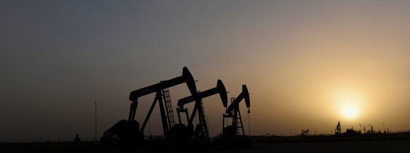 Harga minyak tergelincir 2%, memperpanjang penurunan seiring penyebaran virus Cina