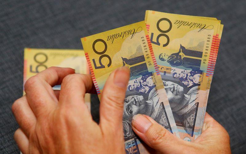 Mata uang berisiko stabil karena investor menilai kejatuhan virus
