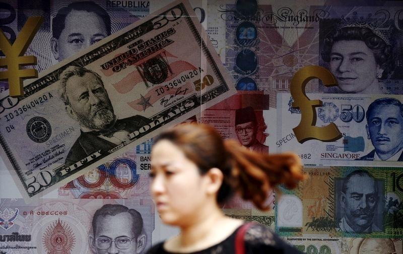 Forex – Dolar Melemah saat Kepercayaan Konsumen Meleset ke Taruhan Pemotongan Suku Bunga Fed