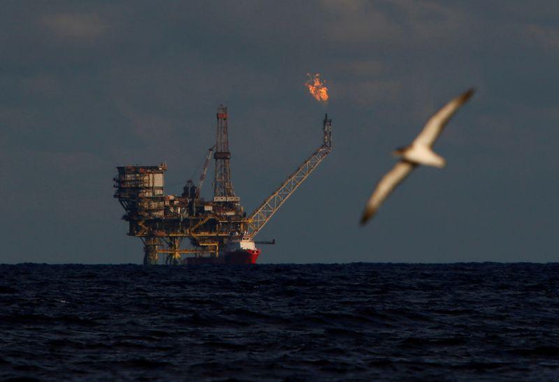 Harga minyak berada di jalur untuk penurunan mingguan terbesar dalam empat tahun